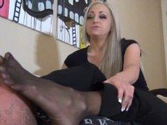 nylon feet feet nylon pantyhose snif leck adore cam feet stinky smother