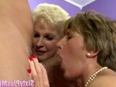 A Pair Of MILFS Give Divine Blowjob