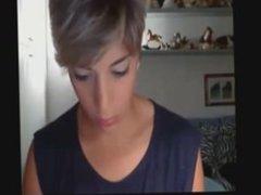 www.cams11.xyz chica muy hermosa pelo corto