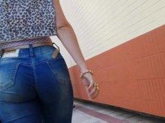 walking hot girl