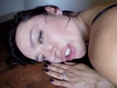 Nacho vidal hace correrse a chorro a Francheska Jaimes en un sex shop