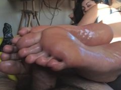 dirty barefeet massage cock w/ dirty talk