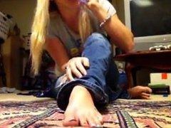 babysitter foot joi