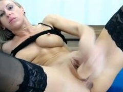 screaming milf orgasam