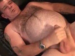 Fat mature bear jerking off
