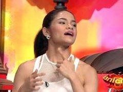 Thai Bodyfitness girls on tv show 02