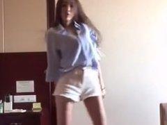 tall girl dancing