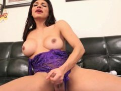 Jessy Tease Her Naughty Fans With A New Toy And Shows