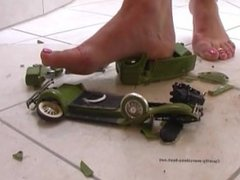 Giantess Milf Crushing Old Fashioned Car Barefoot and Flip Flops