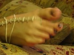 Long toes wiggling 2