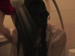 wash long hair of high school girl