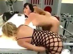 Tres putas violadas por dildos