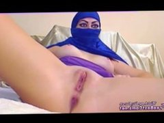 Real Arab Amateur In Blue Hijab Masturbates Arab Pussy With Toys On Webcam