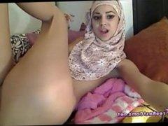 Muslim Arab Squirting Orgasm On Webcam ArabsExposed