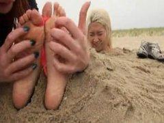 beach tickle - Chie
