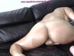 Sexy Ass and Pussy Penetrated With All Fingers