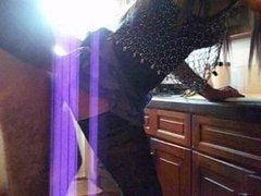 Comiendo pija del portero de casa, en mi cocina. FabiCross Morena