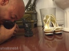 Slave smell Mistress Marie'shoes