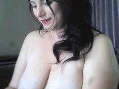 Mature Milf Rubs Her Wet Tight Pussy_HOTSEXYCAMGIRL.COM