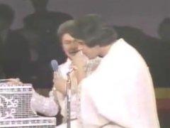 Lou Ferrigno Flexing On Talkshow