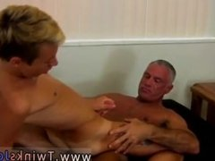 Gay tranny 18 porn video This super-sexy and muscular hunk has the cool