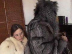 lesbians pur in furs