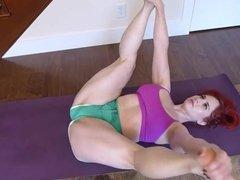 PAWG MILF Yoga Hip Stretch