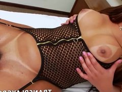 ShemaleBianca Petrovicky is ready for some hot solo play