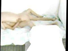 Mon ami baise ma femme avec son long pénis de plus que //22 cm