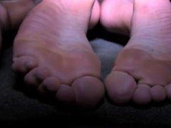 Drunk Teenage Girls Show Off Their Sexy Feet