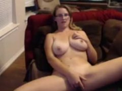 dirty big breast milf gets off