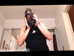 Getting hard sniffing poppers into gas mask