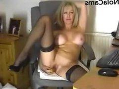 classy milf in nylons masterbates on webcam