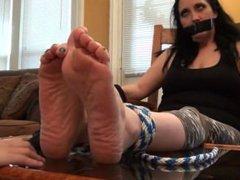 Tied up footworship