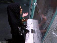 Arab public Desperate Arab Woman Fucks For