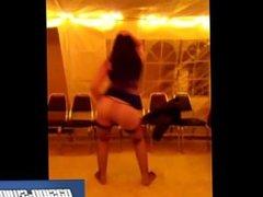 bailandole a mis amigos en fiesta swinger
