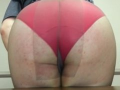 PANTYHOSE ASS bouncing wiggling slapping on table edge in conference room!!