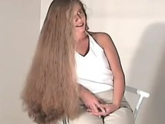 Hannah Super Long Hair Brushing
