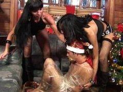 SR.com Sexy Carla Novaes and Jo Garcia threesome XXXmas Sex hd