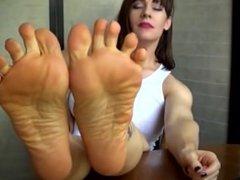 Mature Feet HD