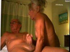Me fucking some older pussy mhmm - bitly.fi/bitlymilfcam
