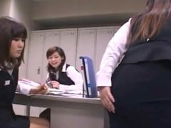 THICK JAPANESE GIRL RIPPING GOOD SOUNDING FARTS A.K.A BUBBLY FARTS