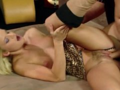 Blonde whore loves anal_720p