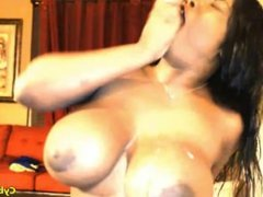 ebony babe with huge boobs squirting