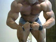 Raul Ricardo Muscle Webcam 4