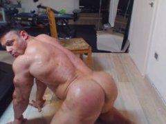 James Muscle Webcam Ass Show