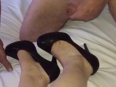 Cumming on her shoes and feet