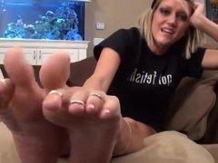 Jerk Off On Her Feet