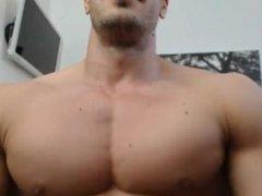 Sexy Romanian Bodybuilder Webcam 1