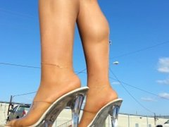 outdoor PANTYHOSE tease upskirt parking lot in miniskirt PANTYHOSE/ heels!